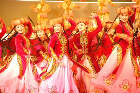 新疆的木卡姆民族歌舞